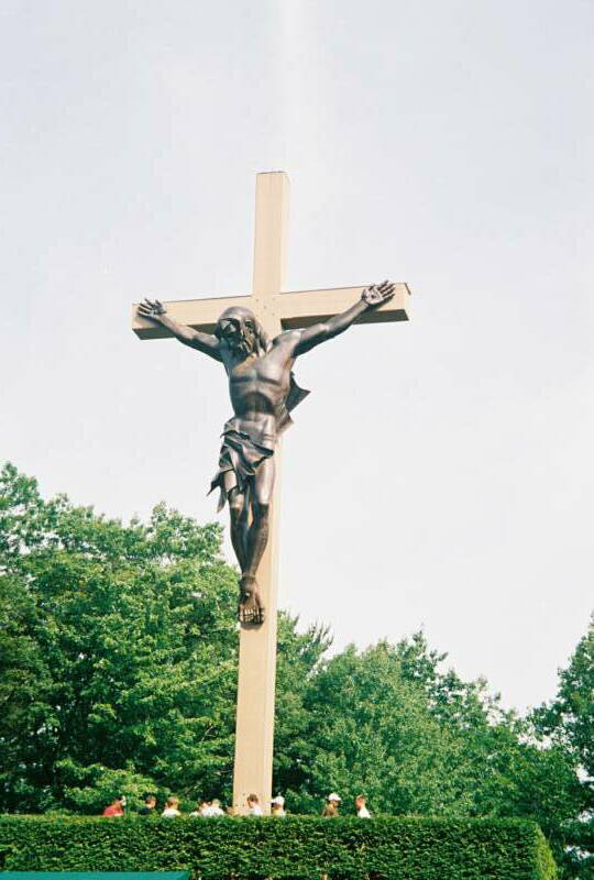 The World's Largest Crucifix - The Cross in The Woods @ Indian River.